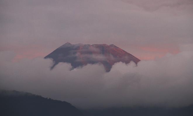 8日 5ー40 今朝の富士山