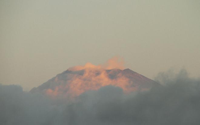 12日 5ー55 今朝の富士山-1