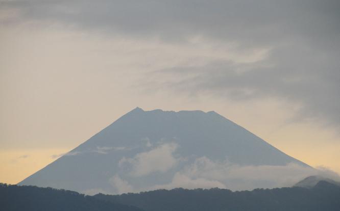 15日 6ー21 今朝の富士山