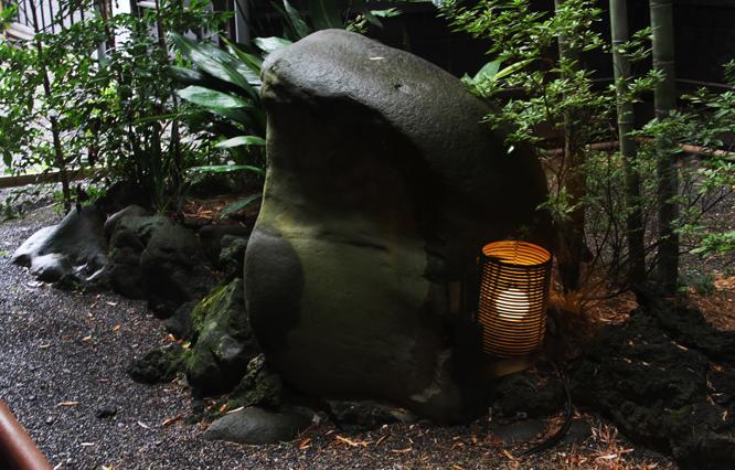 蛙石-738-1