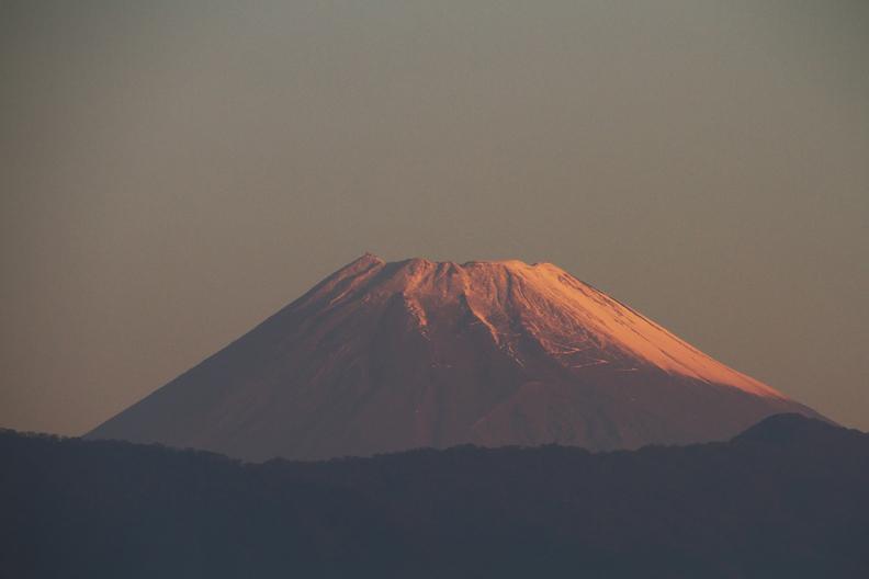 5日 6ー22 今朝の富士山