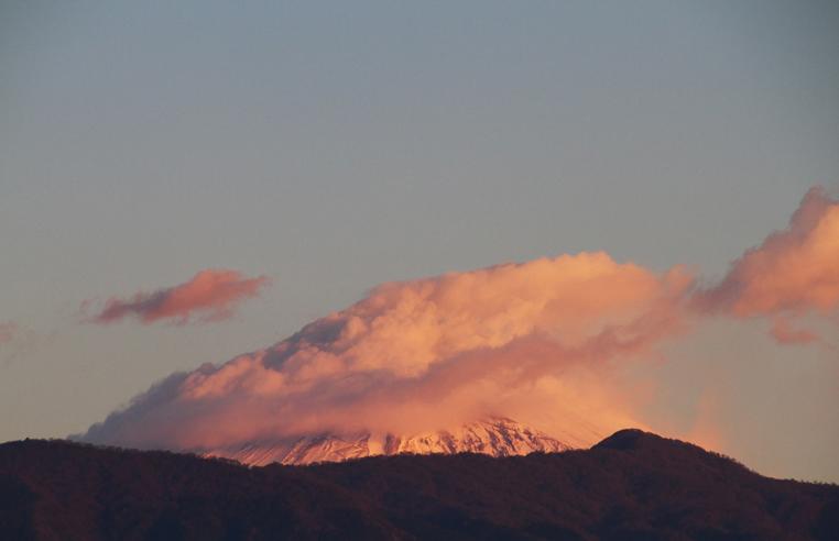 19日 6ー27 今朝の富士山-2