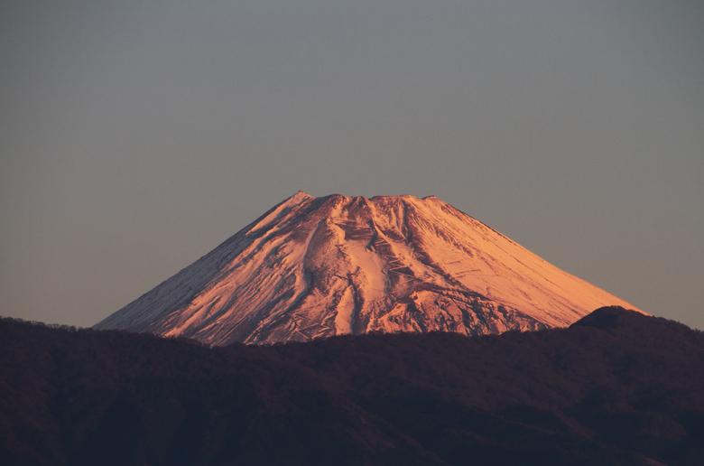 22日 6ー30 今朝の富士山1