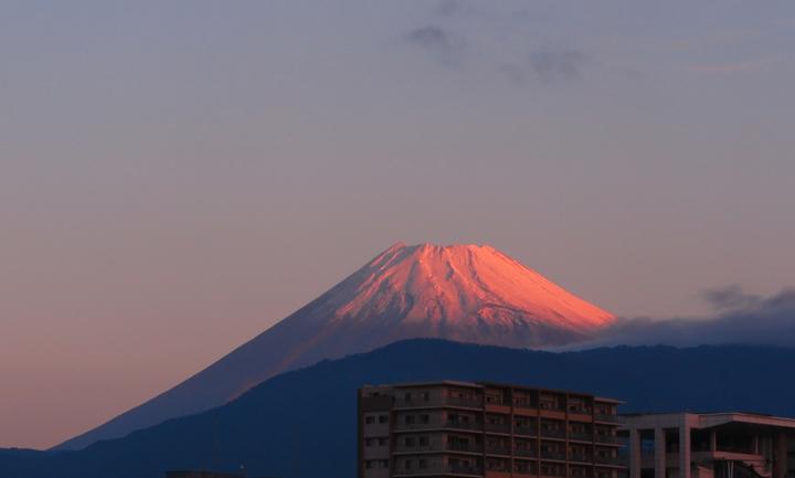 24日 6-08 今朝の富士山-3