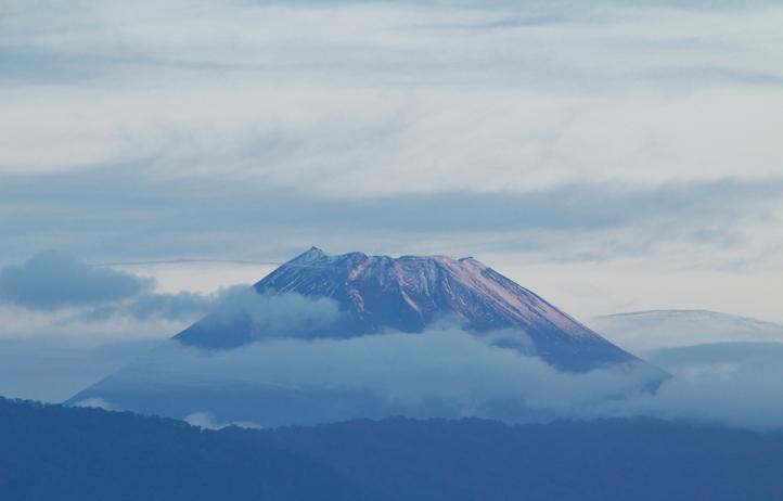 30日 6-08 今朝の富士山-2