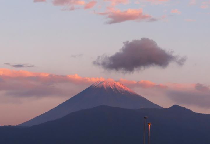 3日 6-15 今朝の富士山-1