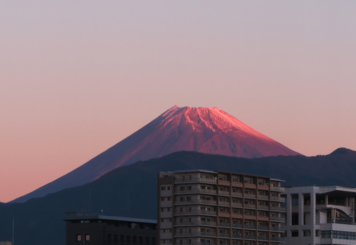14日 6-18 今朝の富士山-1