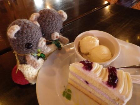 プレストンカフェにて。
