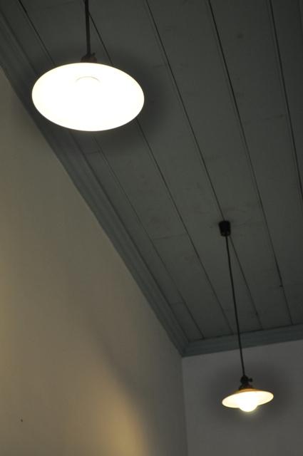 照明器具もレトロです