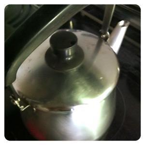 漢方薬を煮るためのヤカン
