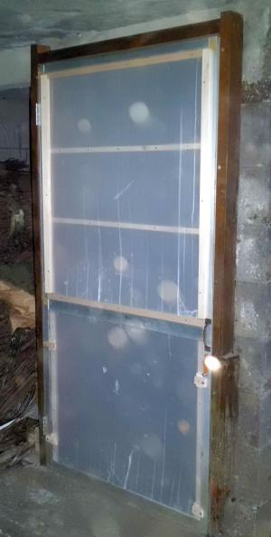 プラ段ドア修理1