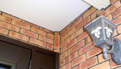 玄関レンガタイル天井部