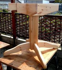 テーブル脚完成