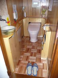 トイレ入口より全体