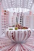 dezeen_Louis-Vuitton-and-Kusama-concept-store-at-Selfridges_7.jpg
