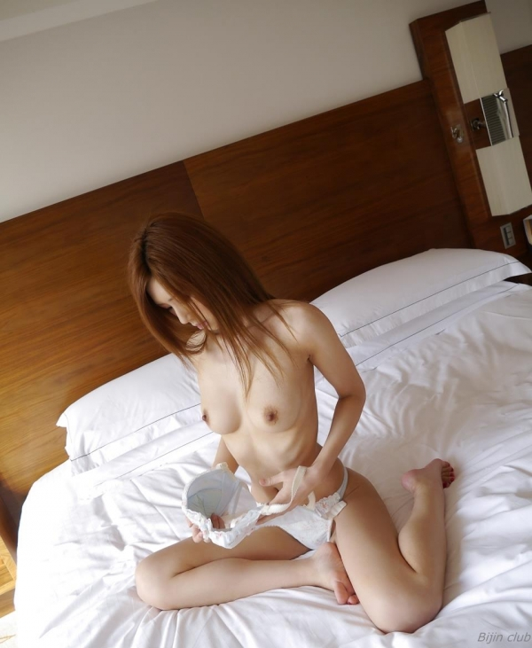 AV女優 愛沢有紗 セックス画像 ハメ撮り画像 無修正 エロ画像049a.jpg