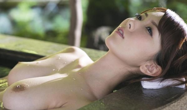 波多野結衣 しっとり露天風呂のヌード画像140枚の121枚目