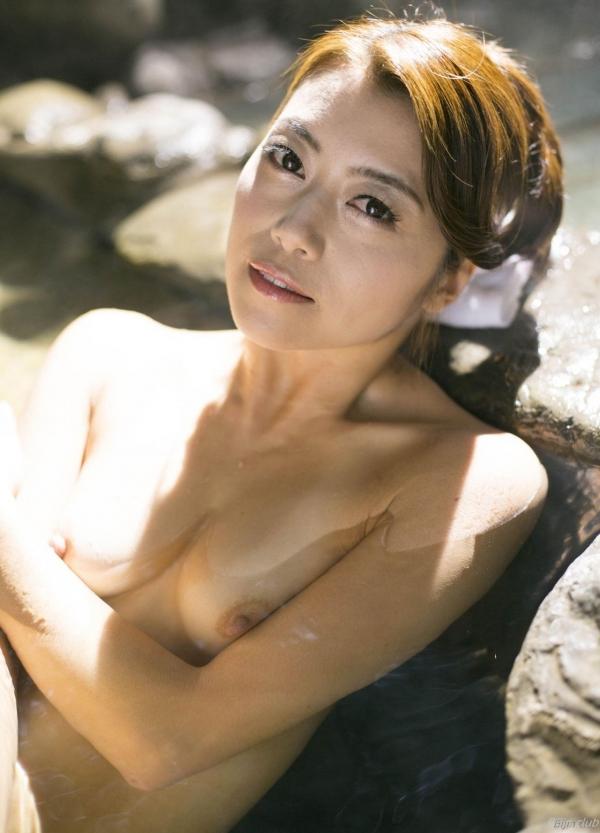 北条麻紀 露店風呂しっとり熟女ヌード画像108枚の015枚目
