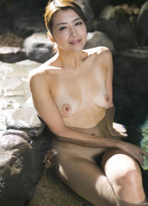 北条麻紀 露店風呂しっとり熟女ヌード画像108枚の024枚目