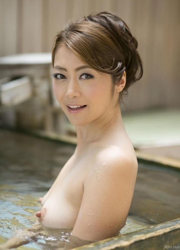 北条麻紀 露店風呂しっとり熟女ヌード画像108枚の002枚目