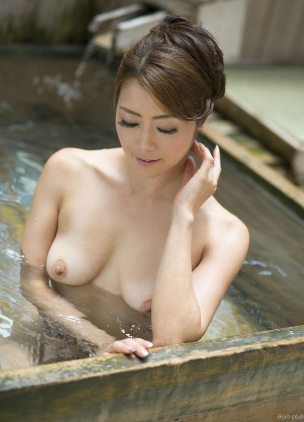 北条麻紀 露店風呂しっとり熟女ヌード画像108枚の008枚目
