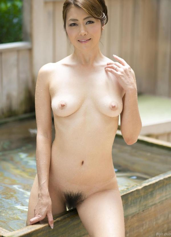 北条麻紀 露店風呂しっとり熟女ヌード画像108枚の031枚目