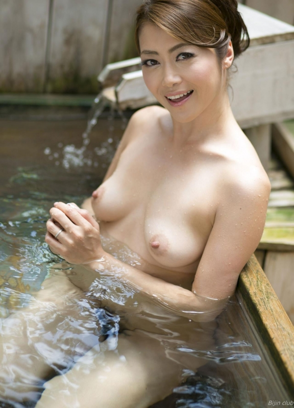 北条麻紀 露店風呂しっとり熟女ヌード画像108枚の040枚目