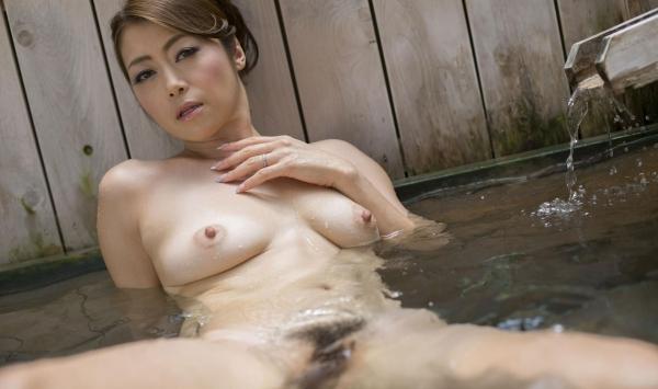 北条麻紀 露店風呂しっとり熟女ヌード画像108枚の042枚目