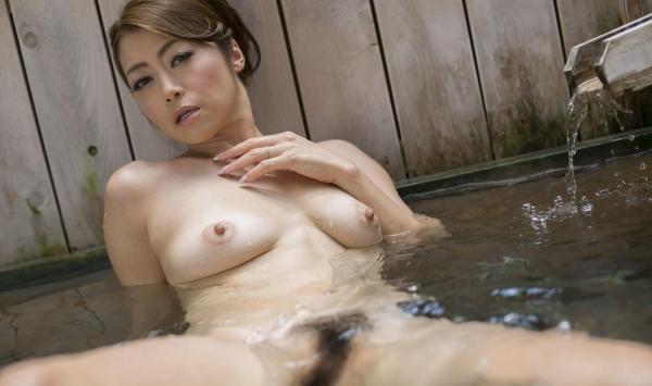 北条麻紀 露店風呂しっとり熟女ヌード画像108枚の043枚目