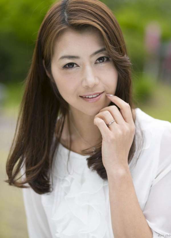 AV女優 北条麻妃 人妻 熟女 無修正 ヌード エロ画像002a.jpg