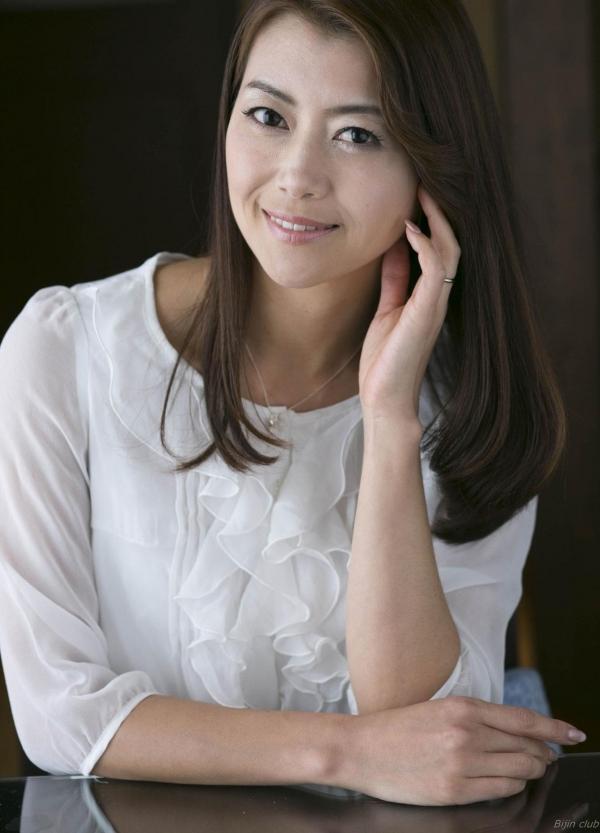 AV女優 北条麻妃 人妻 熟女 無修正 ヌード エロ画像026a.jpg
