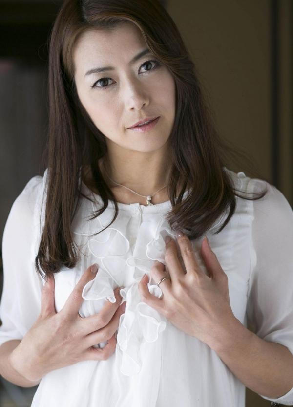 AV女優 北条麻妃 人妻 熟女 無修正 ヌード エロ画像034a.jpg