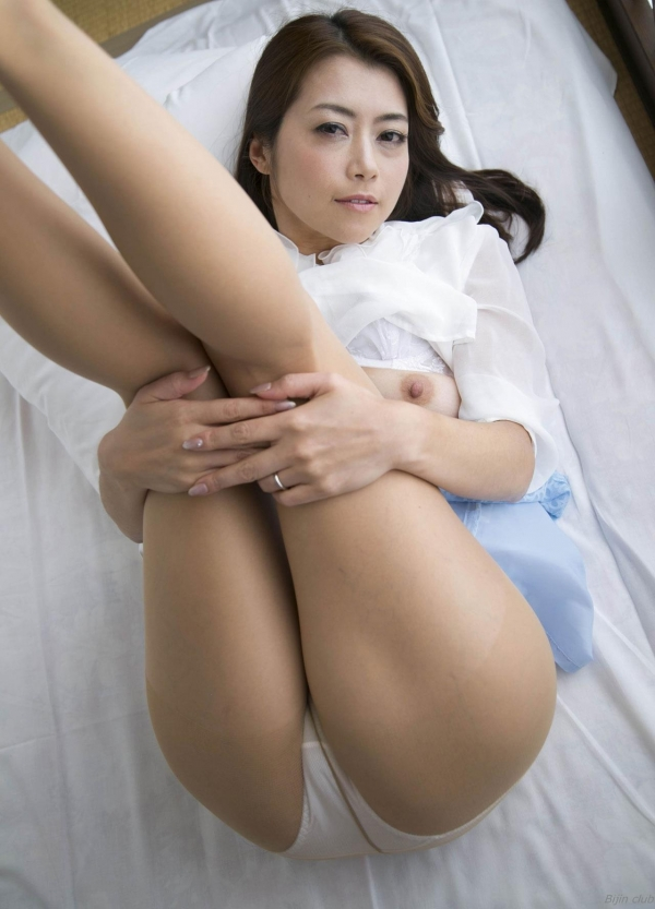 AV女優 北条麻妃 人妻 熟女 無修正 ヌード エロ画像061a.jpg