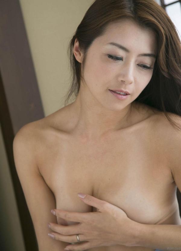 AV女優 北条麻妃 人妻 熟女 無修正 ヌード エロ画像088a.jpg