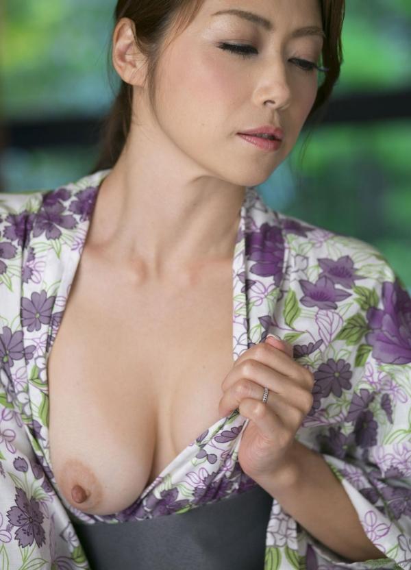 AV女優 北条麻妃 人妻 熟女 まんこ  無修正 ヌード クリトリス エロ画像075a.jpg