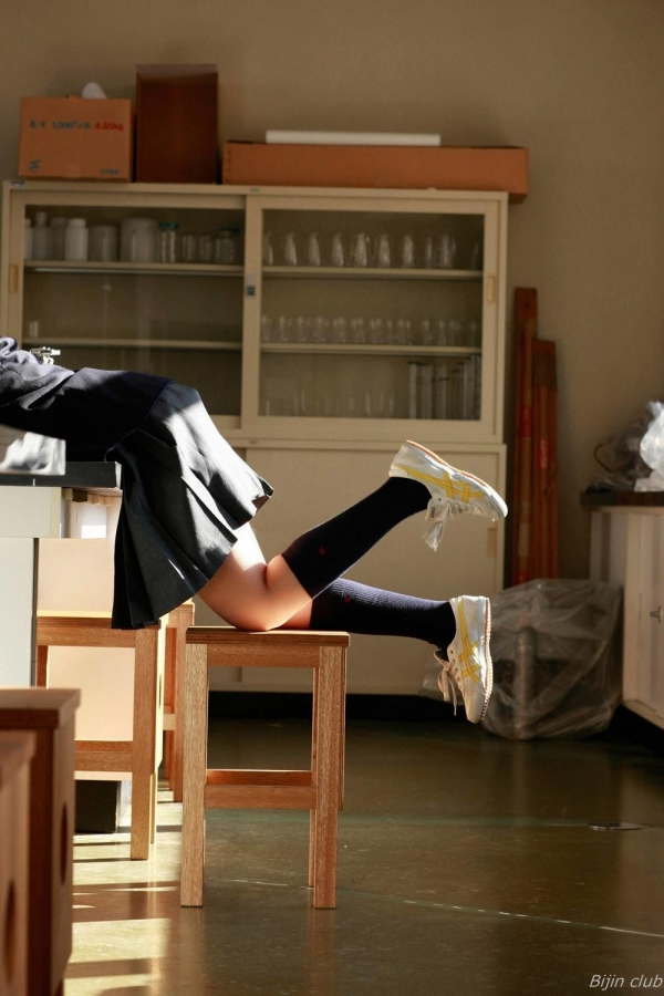 グラビアアイドル 小池里奈 女子高生 スクール水着 エロ画像025a.jpg