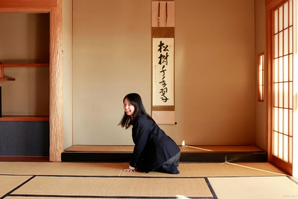 グラビアアイドル 小池里奈 女子高生 スクール水着 エロ画像036a.jpg