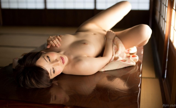 AV女優 里美ゆりあ 無修正 ヌード まんこ エロ画像c030a.jpg