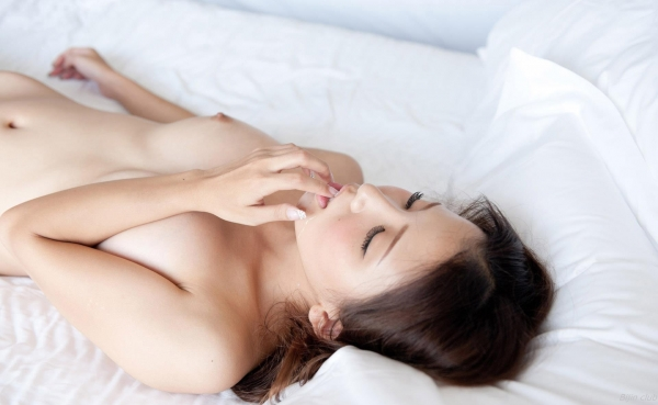 友田彩也香 画像 097
