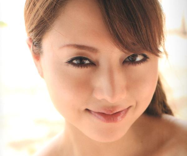 吉沢明歩|ピンク色の乳首やツルツル美肌がそそるエロ画像70枚