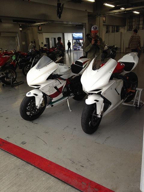 2台のF3レーサー