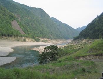 熊野川沿いを南下