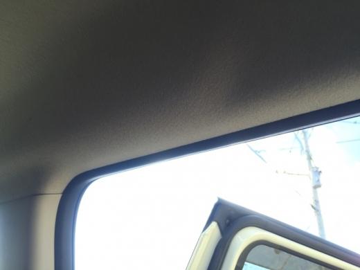 20141124003_後部座席丈ドア上部にLED照明を追加する