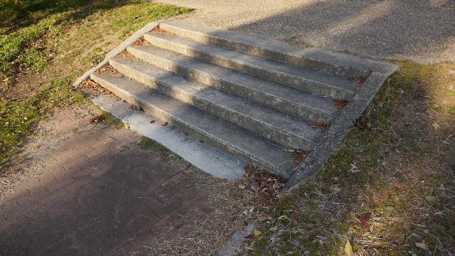 階段1枚目 640x360サンプル