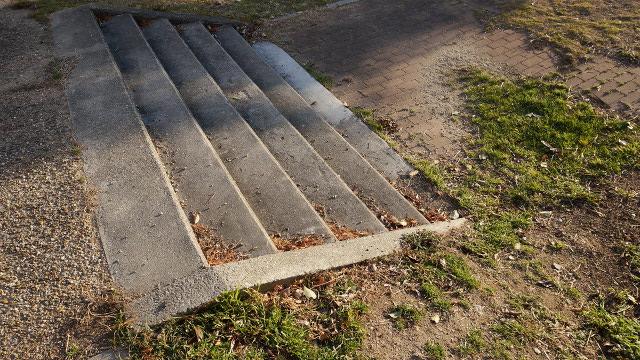 階段2枚目 640x360サンプル