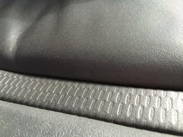 BMW Z4 レザーシー 傷 補修