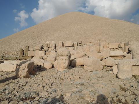 石山の墳墓