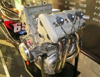 V型5気筒エンジン
