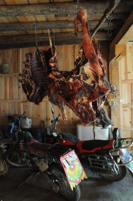 ガレージの干し肉
