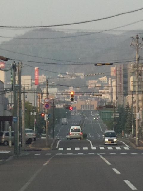 小樽港から小樽駅を望む